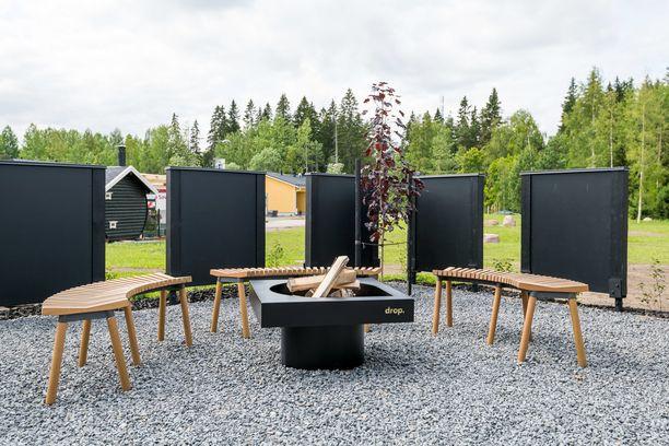 Kouvolan Asuntomessuilla oli tänä vuonna esillä moderni nuotiopaikka. Selkeät linjat sopivat aina skandinaaviseen makuun.