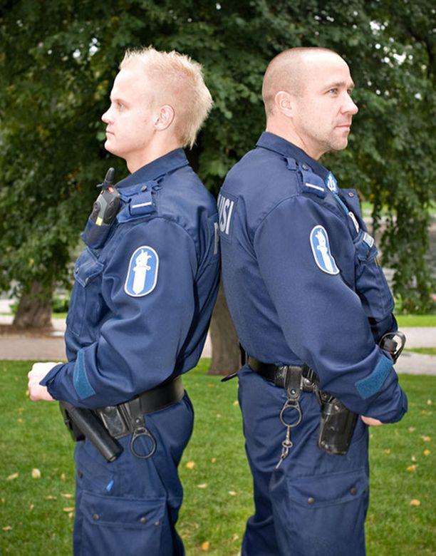 Avausjaksossa seurattiin Jari Palosen ja Janne Rauman työtä.