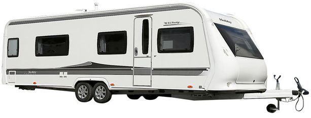 Hobbyn markkinaosuus on vaunukaupassa 40 prosenttia. Tätä yhdeksän metrin jättivaunua ei vedetä ihan pienellä autolla.
