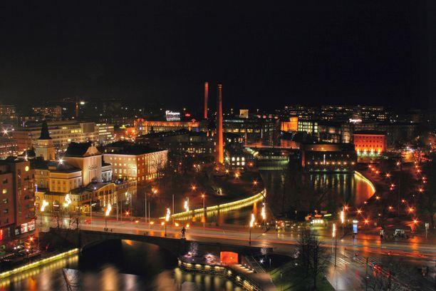 Vankilaan passitettu mies houkutteli humalaisia naisia autoonsa Tampereen yössä - raiskatakseen nämä.