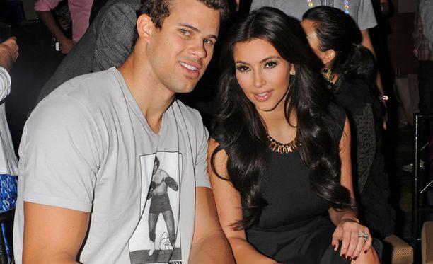 Kanye West Kim Kardashian ennen dating