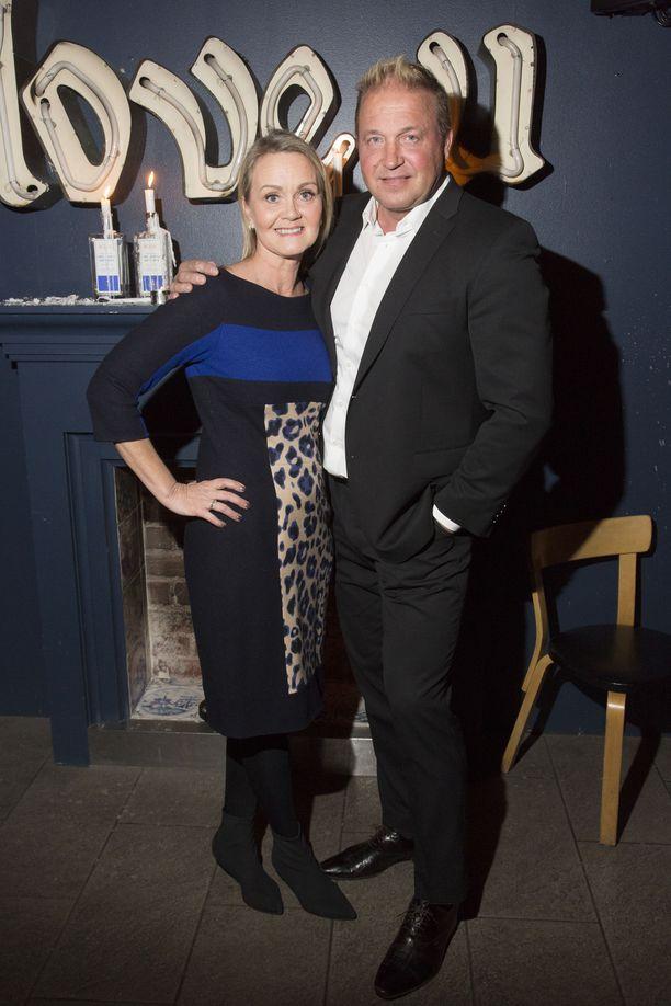 Tony Montana tuoreen vaimonsa kanssa.