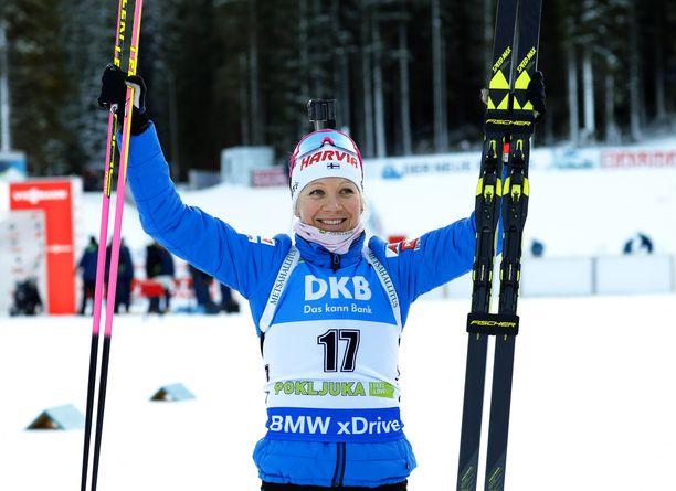 Kaisa Mäkäräinen otti kylmäverisen voiton lauantaina Pokljukan maailmancupissa.