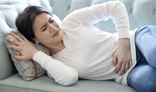 Piinaava vatsan kipuilu kannattaa käydä tarkistuttamassa lääkärissä.