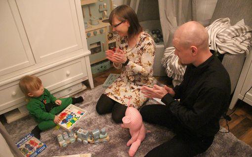 """Pipsa ja Richard yrittivät lasta 6 vuotta – sitten syntyi kymmenen pisteen poika: """"Meidän ihmeemme"""""""