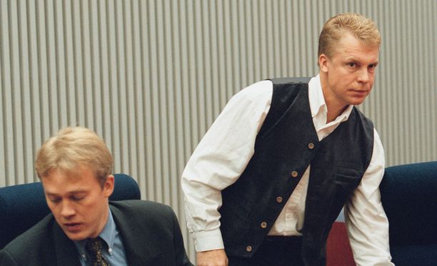 Jari Räsänen STT:n dopingjutun oikeudenkäynnissä vuonna 2000.