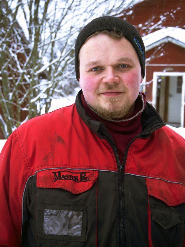 22-vuotias alavutelainen Aatu on ollut maatilan isäntä 19-vuotiaasta.