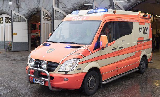 - Joskus hätäkeskuksessa voi olla vaikeuksia saada selville apua tarvitsevan hätä. Silloin on turvallisempaa, että ensihoitajat käyvät tekemässä hoidon tarpeen arvioinnin, sanoo Piia Kokko.