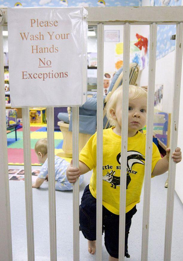 Texasilaisessa päiväkodissa on otettu käyttöön tehokas valvonta käsihygienian suhteen.