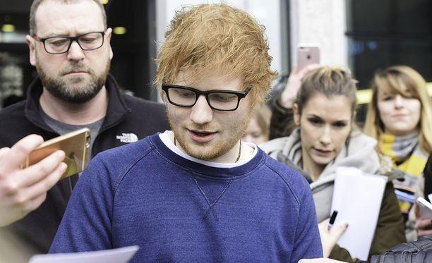 Ed Sheeran julkaisi äskettäin uuden albumin, josta on tullut jättihitti.