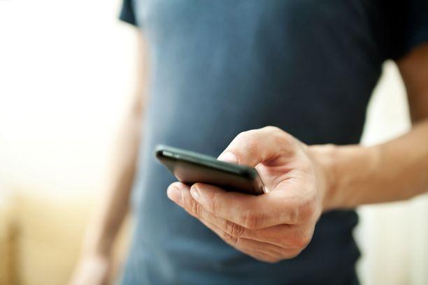 Koronavirusepidemian aikaan puhelimitse asioimisen tärkeys on korostunut.
