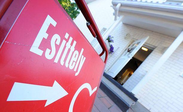SKVL vierittää asuntokaupan tahmeuden pankkien niskoille.