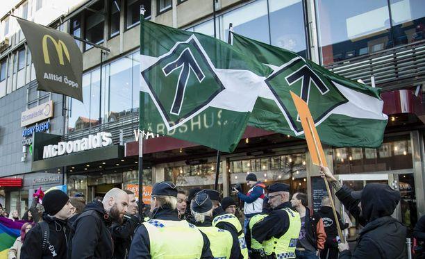 Pohjoismaisen vastarintaliikkeen mielenosoitus Ruotsissa. Kuvituskuva.