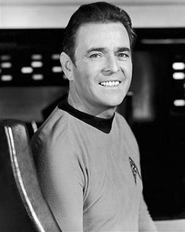 """James Doohan oli Star Trekissä konepäällikkö Montgomery """"Scotty"""" Scott."""