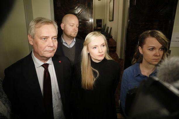Kuva hallitustunnusteluista 10. joulukuuta, jolloin Rinne oli jo eronnut pääministerin paikalta.