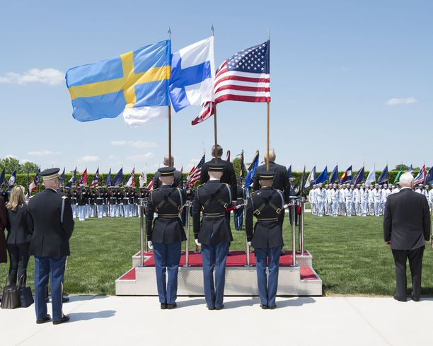 Ohjelmaan kuului muun muassa merijalkaväen soittokunnan esittämät kansallislaulut.
