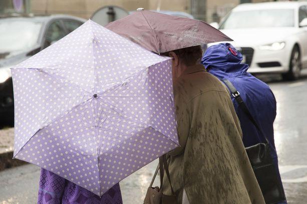Keskiviikkona on satanut paljon monilla paikkakunnilla. Kuvituskuva.