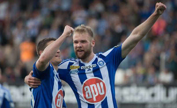 Joao Klauss (oik.) iski HJK:n kaksi ensimmäistä maalia.