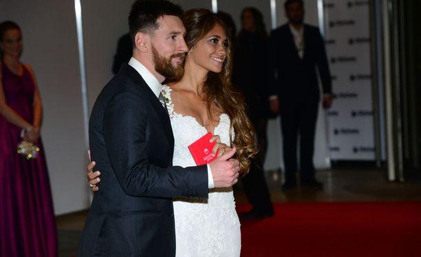 Lionel Messi ja hänen vaimonsa Antonella Roccuzzo vihittiin Argentiinan Rosariossa.