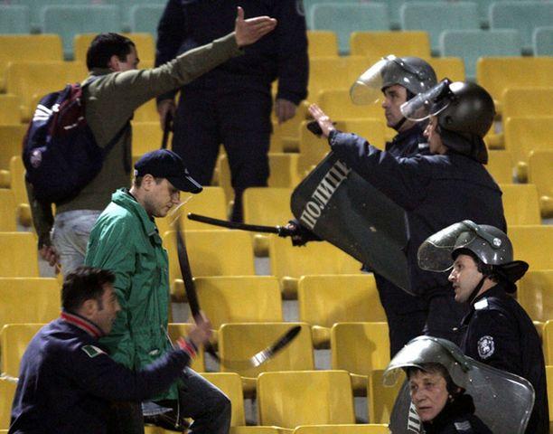 Sofiassa pelatussa ottelussa tarvittiin mellakkapoliiseja.