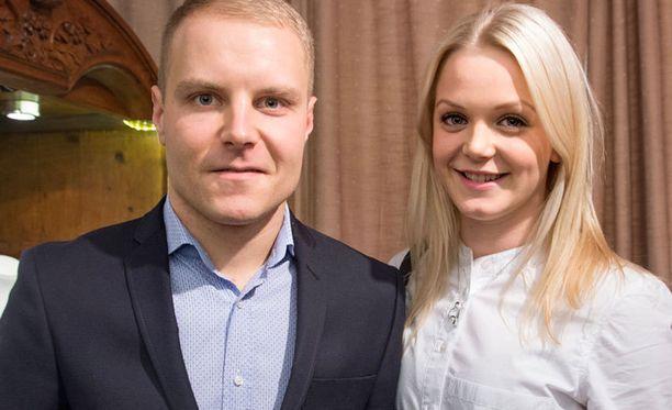 Valtteri Bottaksen ja Emilia Pikkaraisen häitä juhlitaan lauantaina.