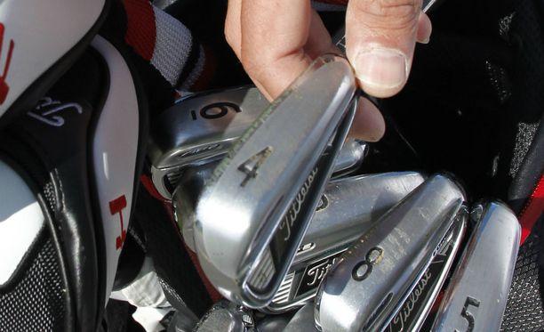Tuomittu käytti väkivaltarikoksessa golfmailaa. Kuvituskuva.