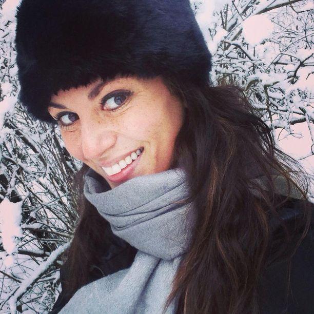 Iso-Britanniassa asuva Jasmin Mäntylä viettää joulut perinteisesti Suomessa.