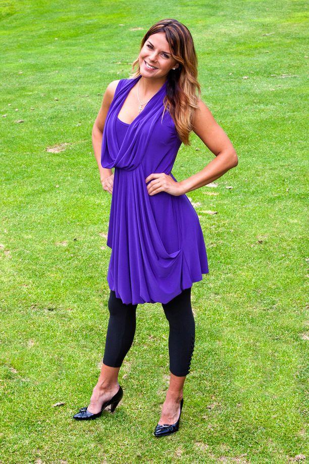Golf-tapahtumassa Messilässä 2012 Satukin sortui silloiseen leggingsit mekon kanssa -muotiin.