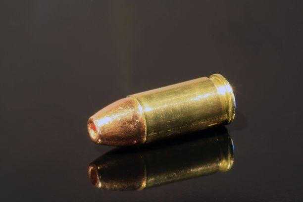Mies kuoli aseen lauettua vahingossa Venäjällä. Kuvituskuva.