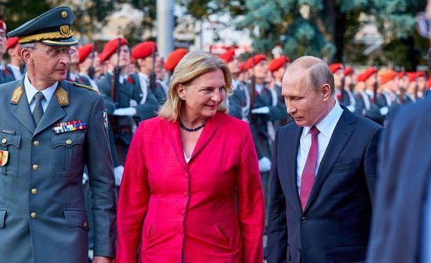 Kneissl ja Putin Wienissä heinäkuun 5. päivä.