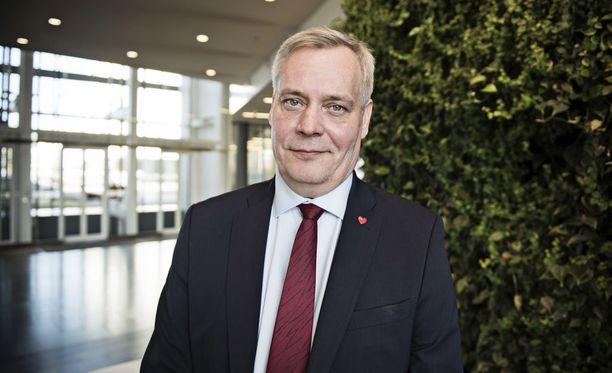 Rinne on nyt suosituin vaihtoehto seuraavaksi pääministeriksi niukalla erolla kokoomuksen Petteri Orpoon, kävi ilmi Helsingin Sanomien kesäkuun lopulla teettämästä mittauksesta.
