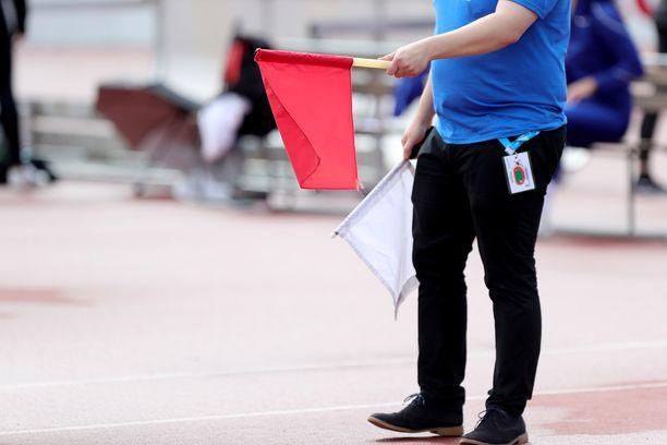 Liian moni suomalainen yleisurheilulupaus on liputettu kentiltä pois vammojen vuoksi.