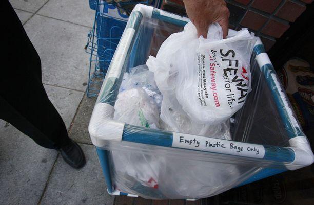 Muovikassit ovat joutumassa pannaan Kaliforniassa.