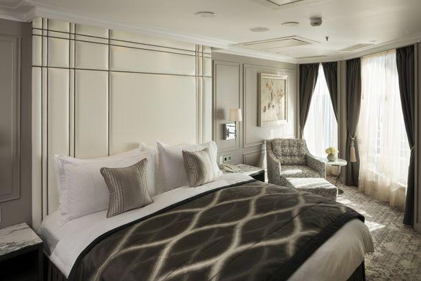 Crystal Penthouse -sviitin sisustuksessa suositaan rauhallisia värejä.