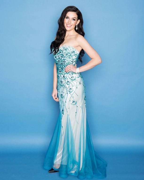 Miss Suomi on ottanut mukaan kisoihin viisi iltapukua. Kuvan sininen puku on Niinattaresta.