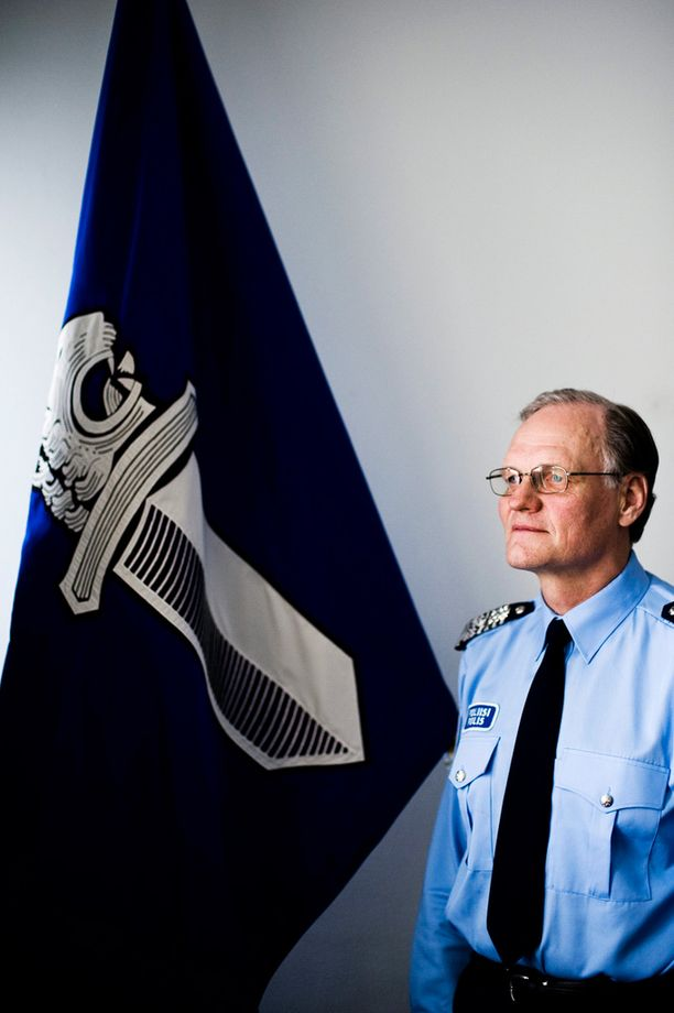 Mikko Paatero pohti poliisin vapaa-ajan tehtäviä blogissaan.