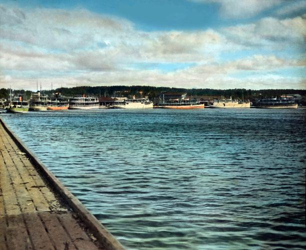 Missä laevat huuteloo! Kuopion satamassa riitti aluksia.