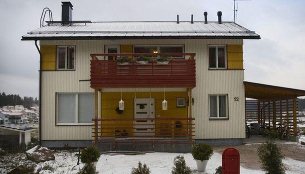 Saareloiden talo Espoon Vanttilassa saa pian uuden omistajan.