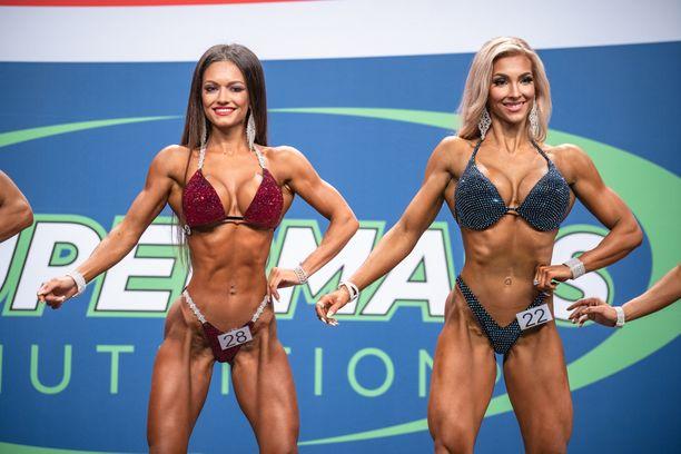 Jana Kuznetsova (vas.) vei voiton Lahden ammattilaiskisassa. Suomen Melina Keltaniemi sijoittui toiseksi.