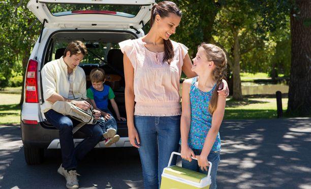 Lapsille kannattaa antaa automatkoille vastuutehtäviä. Lapsi voi esimerkiksi päättää perheen matkaruoista.