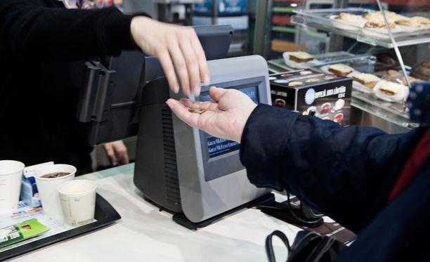 Työpaikka on edellytys sille, että luottotietonsa menettänyt ihminen pystyy maksamaan velkansa pois.