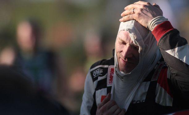 Jari-Matti Latvalalla oli hyvin sujuneiden testien jälkeen kovat odotukset Korsikan MM-ralliin, mutta lopputuloksena oli karvas pettymys.