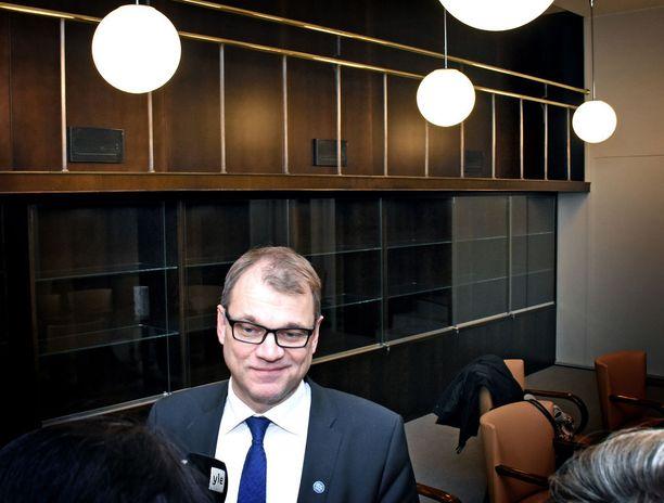 Pääministeri Juha Sipilä korostaa uskonnon opetuksen merkitystä. Arkistokuva.