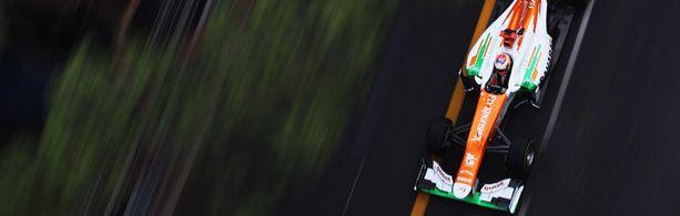 Monacon märällä radalla Paul Di Resta.