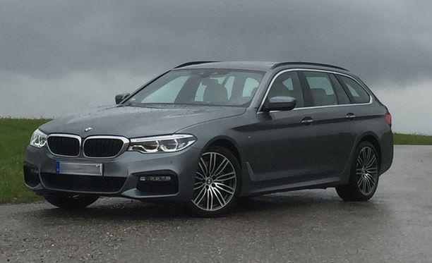 BMW 520d xDrive Touring. Hintanousu jopa 5000 euroa.