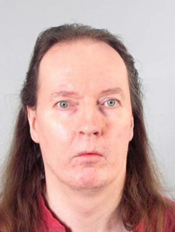 Sarjakuristaja Michael Penttilä on tuomittu lukuisista naisiin kohdistuneista henki- ja muista väkivaltarikoksista.