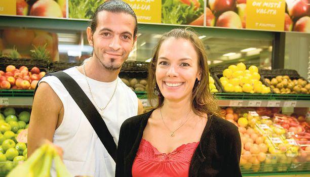 Suurkuluttajat Ramonan ja Mehdin mielestä mieliala kohoaa monipuolisella ruualla, jossa on paljon vihanneksia. – Liian raskas ja rasvainen ruoka aiheuttaa väsymystä.