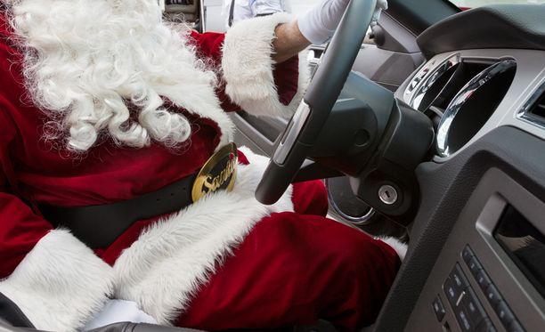 Joulupukin auto oli katsastamaton. Kuvan pukki ei liity tapaukseen.