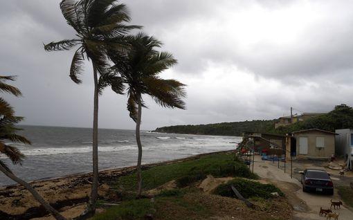 Hurrikaani Dorian kerää voimaa lähestyessään Floridaa – Ennustetaan voimistuvan nelosluokan hurrikaaniksi