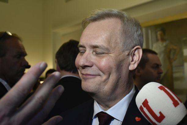 SDP:n puheenjohtaja Antti Rinne lupasi poistaa aktiivimallin jo ennen eduskuntavaaleja.